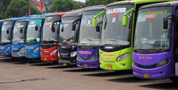 Info Lengkap Rute Dan Jam Operasional Bus TransJakarta